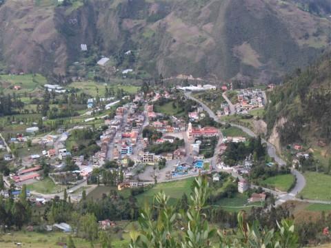 Panorámica del área urbana de Guachapala