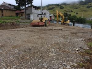 La maquinaria Municipal coloco material de mejoramiento en las plataformas