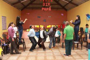 Varios concursos fueron efectuados con los papitos que disfrutaron de momentos de sano esparcimiento.