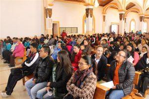 El Santuario de Andacocha permaneció completamente lleno durante la eucaristía