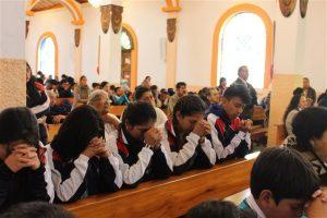 El Santuario de Andacocha permaneció completamente lleno durante la eucaristía.