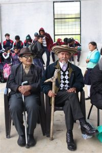 Bosco Espinoza y Ermel Cañizares, personajes pintorescos de Guachapala, también participaron de este evento.