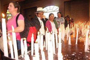 La capilla de velas reúne las peticiones de los devotos que llegan al Santuario